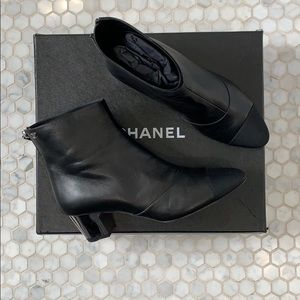 Chanel leather bootie with mirror heel . Size 38